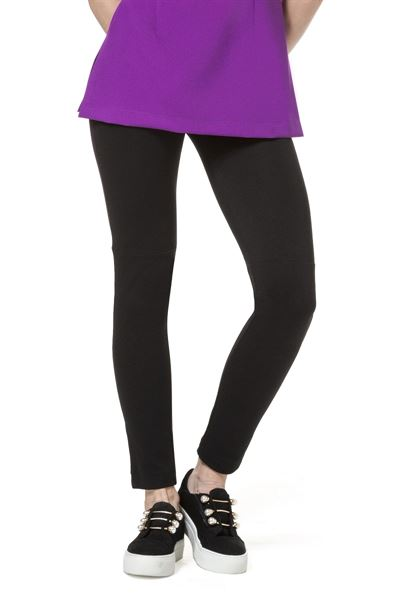 Black stretchy leggings with elastic waist